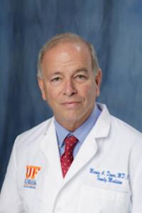 Dr. Dewar headshot